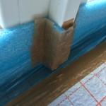 Blaues Trennmaterial im Bereich der Galerie nicht ganz sauber verlegt; haben wir selbst noch ein wenig mit Klebeband nachgebessert